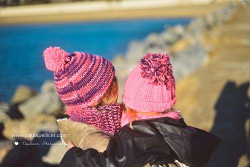 Hermanas, momentos capturados por paula pellicer. Fotografía de niños y familias.