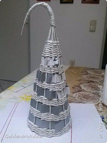 Поделка изделие Новый год Плетение Главная новогодняя декорация- ёлка   Бумага газетная фото 10