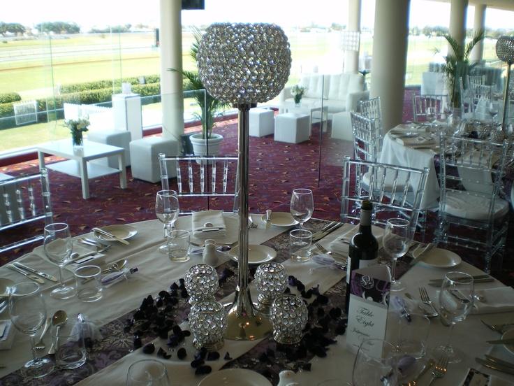 #crystalballonstand #weddingreception #crystaltealights