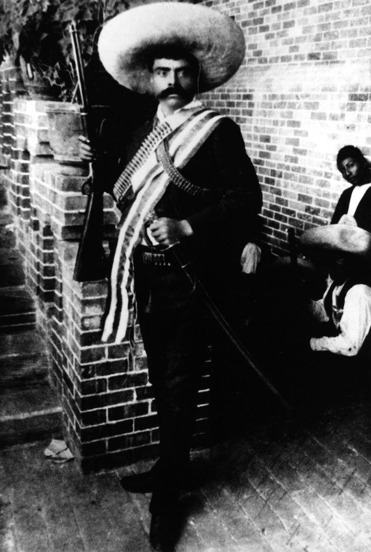 """""""Es mejor morir de pie que vivir de rodillas."""" ~ Emiliano Zapata"""