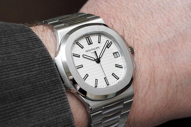 Réplicas De Relojes Patek Philippe Nautilus Silvery hombres 5711-1A-011 Revisión