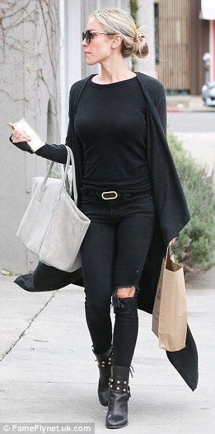 Kristin Cavallari is classic in black as she shops ahead of Oscars gig