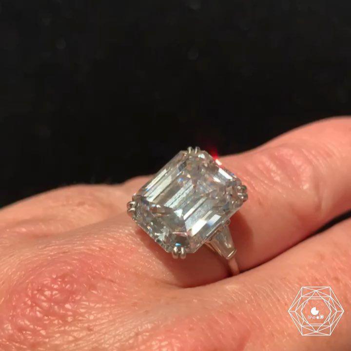 Berengere Treussard Like A B Likeab Harry Winston Amazing Harrywinston 11 27 Beautiful Diamond Earrings Wedding Jewelry Photography Simple Jewelry