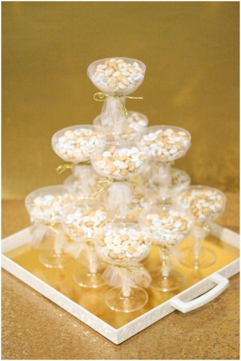 Champagne Glass Wedding Favor DIY from @savvybride