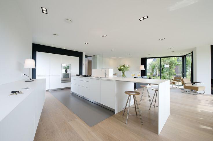 Prachtige bulthaup keuken in Haarlems woonhuis, onder architectuur gebouwd via Karin Lauwers concepten #keuken #buthaup