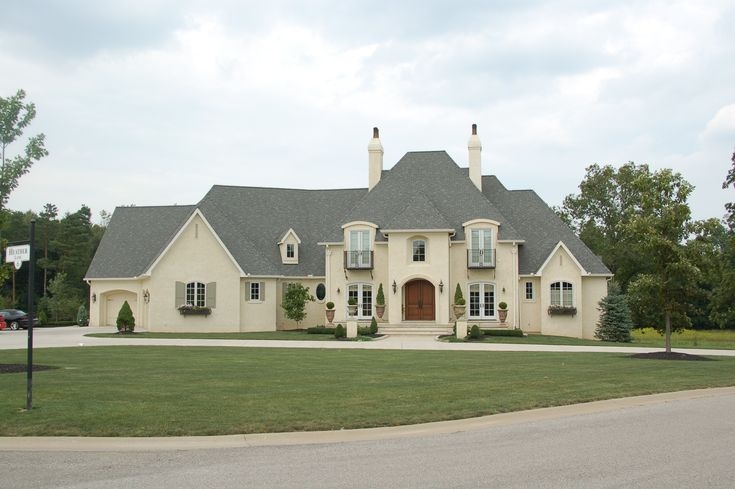 125 best images about dream homes french country on for Stucco and brick homes