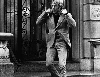 Ένα από τα κλασικά κατασκοπικά thriller των '70s είναι το «3 ημέρες του Κόνδορα» σκηνοθετημένο με νεύρο από τον εξπέρ του είδους Sydney Pollack. Με δυνατό καστ Redford - Dunaway στα καλύτερά τους παραμένει διαχρονικό