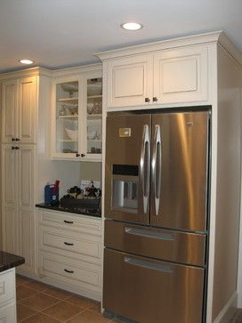 Kraftmaid Montclair Dove White Cabinet