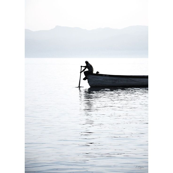 Rower On The Lake II poster, 30x40 i gruppen Posters / Posters / Fotografier hos RUM21.se (1024941)
