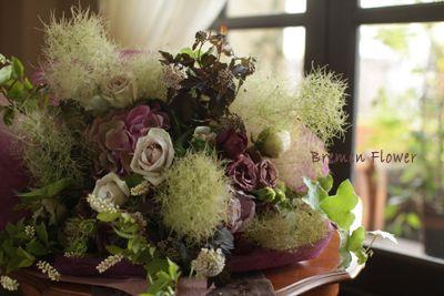 ウェディングブーケのデザイン集-スモークツリーの花束