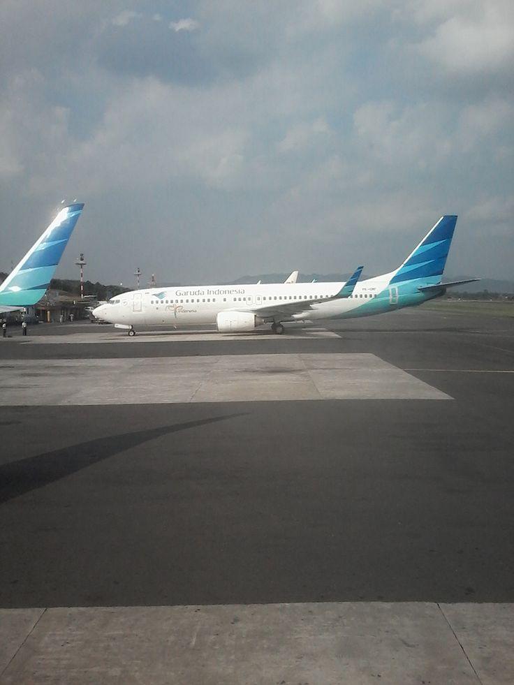 b737 8 garuda @ yogyakarta airport