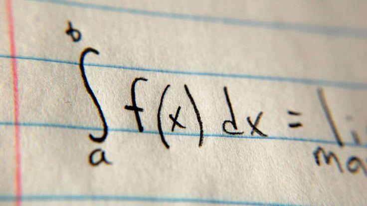 Veja os livros indicados por especialistas para concurseiros que querem se dar bem nas provas de matemática e raciocínio lógico