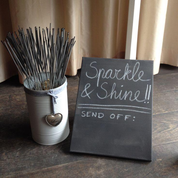 Sparkler send-off, sparklers, wedding / Sterretjes, bruiloft // VAN BRITT