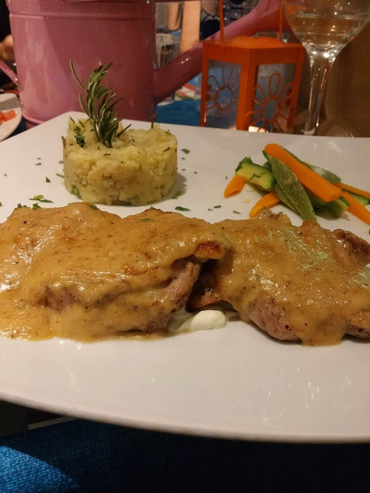 Scaloppine with champagne sauce!!! #deliciousMeal #mustTry #foodies