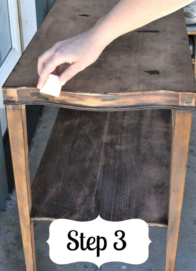 How To Distress A Table | Furniture Painting Technique | Distressed Furniture Tutorial | diyready.com