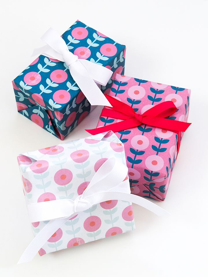 Imprimibles papel de regalo de flores  This free printable mod flower gift wrap is perfect for all occasions.
