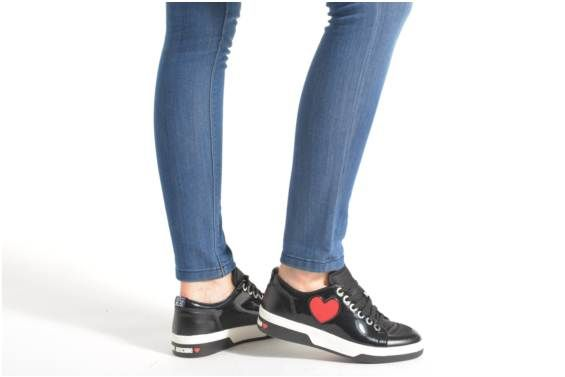 Tennarit Zoap Love Moschino näkymä jalassa kengät