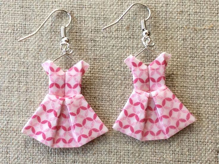 Boucles d 39 oreille robes roses et blanches en origami - Robe en origami ...