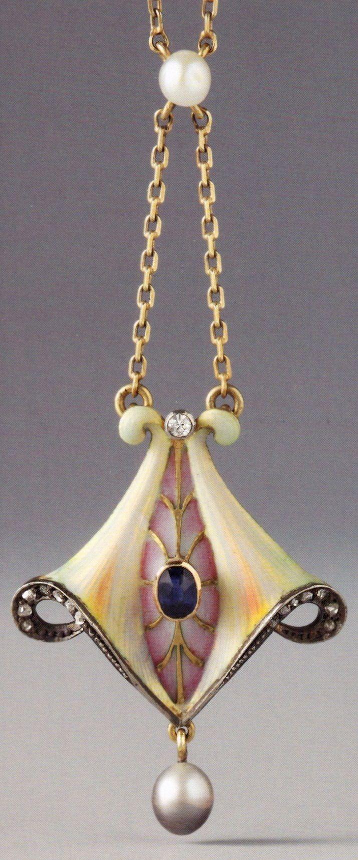 A Jugendstil / Art Nouveau pendant, German, 1903-1910. Composed of gold, silver…