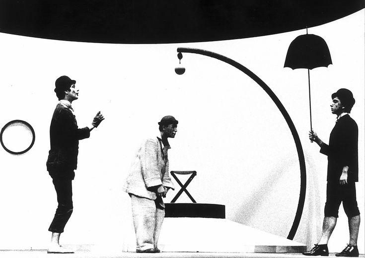 1965, Teatro Duse, Genova Aspettando Godot di Samuel Becket, regia di Carlo Quartucci (Lisetta Carmi)