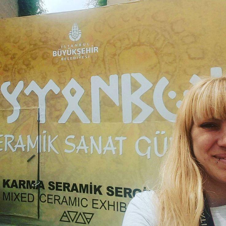 Sanat ve sanatçılar dünyayı ve görüşleri degistirebilecek yegane insanlardır.  #seramik #pottery #çamur #handmade #merhaba #hello #art #sanat #arthistory #sanattarihi #arkeoloji #camurlueller #sır #glazed #seramikboyama #nostalji #nostalgia #glazed #ceramics #ceramic #cup #cafe #pano #sergi #istanbul #taksim http://turkrazzi.com/ipost/1523865353494971645/?code=BUl23cYl8T9