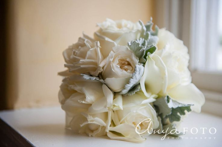 anyafoto.com, wedding bouquet, bridal bouquet, white bouquet, white roses, blush roses, rose bouquet