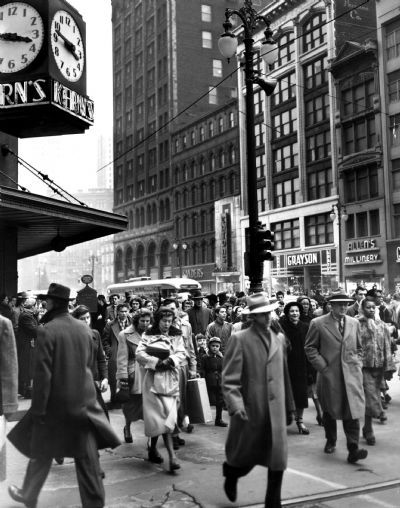 Crowds in downtown Detroit, undated (The Detroit News)