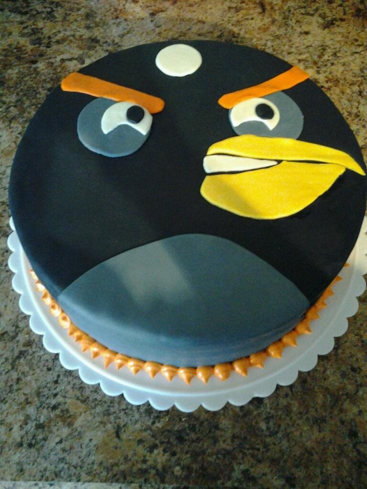 Bomb bird fondant cake, from angry birds