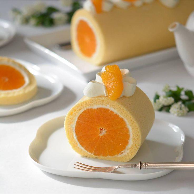 シンプルだけど、奥が深いスイーツ「ロールケーキ」。そんなロールケーキをおいしく、かつ美しく仕上げるインスタグラマー、nanaminさん(@sugarmix70)をご存知でしょうか?今回は、彼女が作る美麗ロールケーキの数々をご紹介します♪