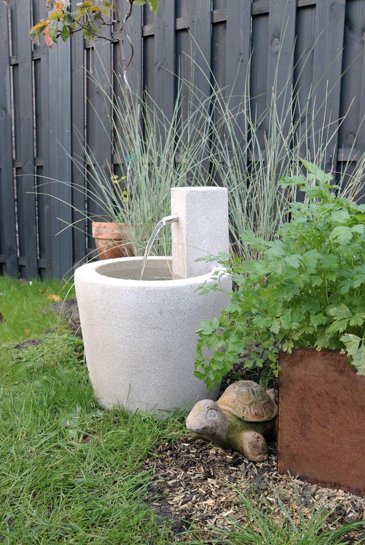 Stille Wasser Sind Nicht Immer Tief Brunnen Garten Wasser Im Garten Garten