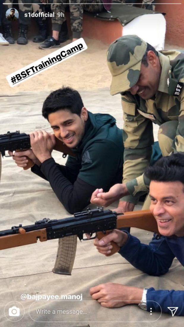 Filmmaker Neeraj Pandey along with hisAiyaarycastManoj Bajpayee,Sidharth Malhotra, Rakul Preet Singh and Pooja Chopra visited the BSF camp in Jaisalmer after the team received an invite from the Jawans, a few days ago.