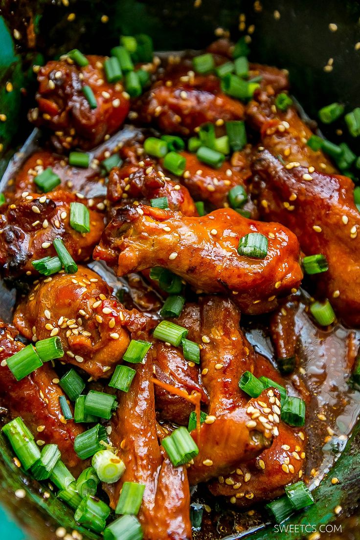 honey soy wings you can make in a slow cooker- so good!