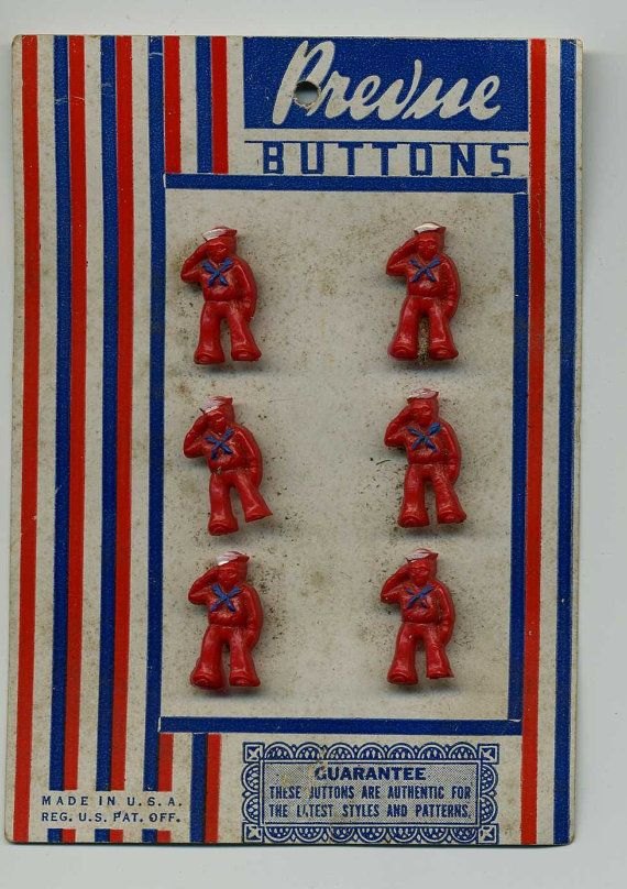 Realistic Buttons On Their Original Card by VintageVendor, etsy