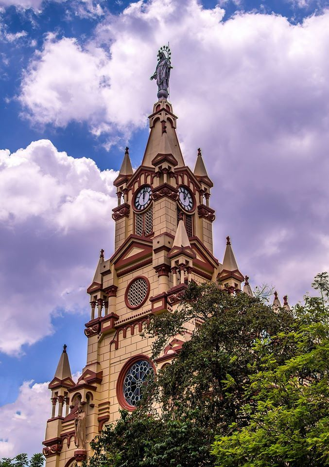 Parroquia de Jesus Nazareno, Medellín, Colombia