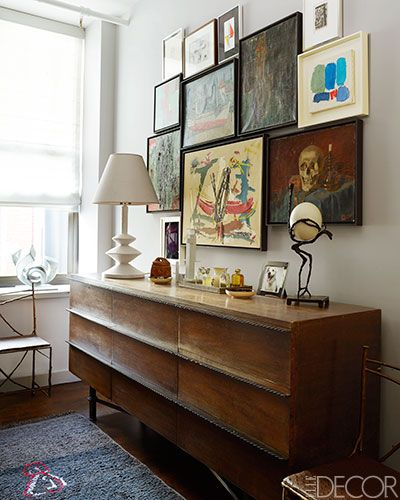 In the dressing area, a 1940s French chest holds a sculpture by Diego Giacometti and a lamp inspired by his work.