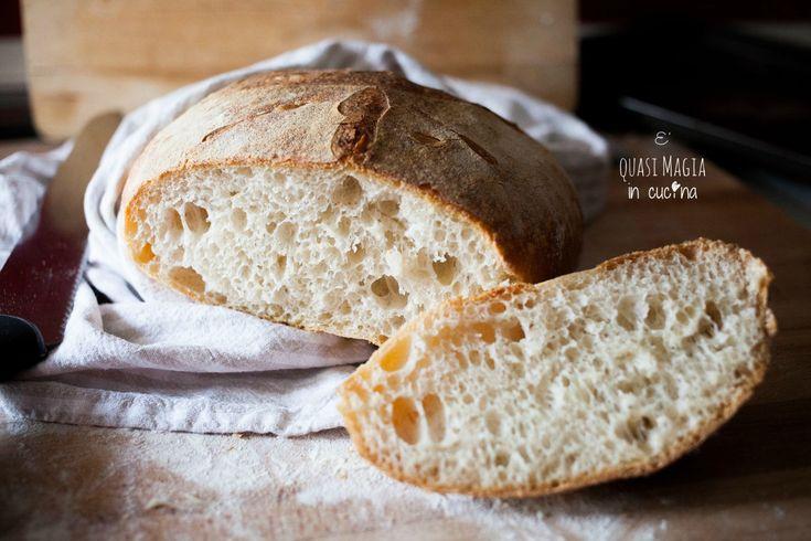 Pane fatto in casa con lievito madre e autolisi - un procedimento fantastico che consente un risultato davvero sorprendente, solo con un passaggio in più!