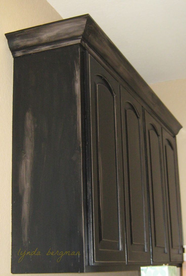 wet kitchen cabinet 25 best ideas about black distressed cabinets on 3389