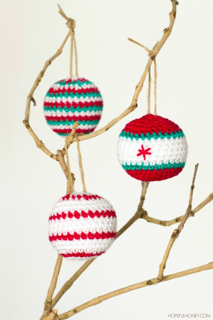 Crocheted Christmas Baubles - Pattern: