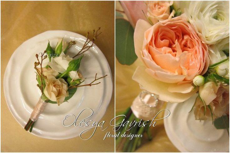 Олеся Гавриш - свадебная флористика и декор - Букет невесты с пионовидными розами Дэвида Остина (David Austin Roses), ранункулусами и гвозди...