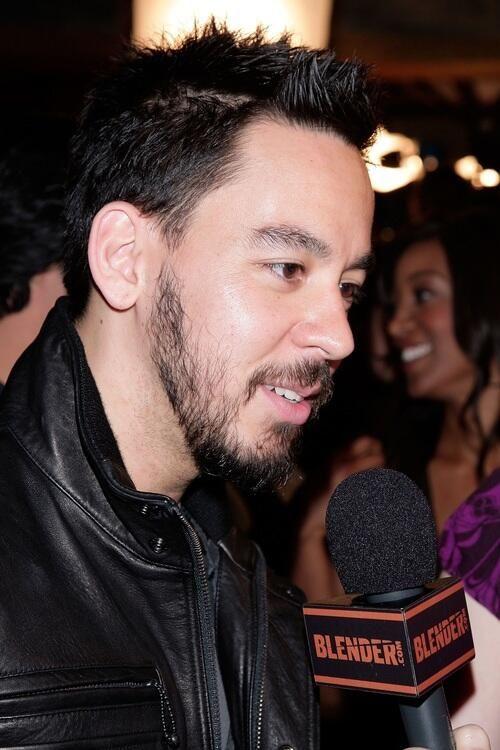 Mike Shinoda :3 too cute...