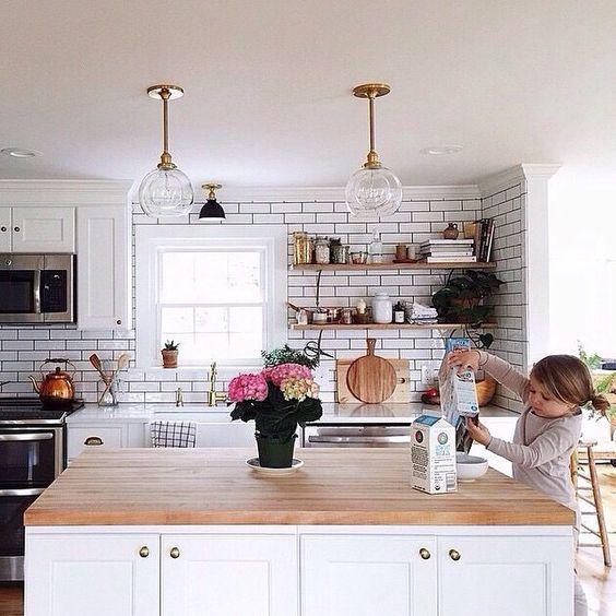 17 best images about cuisines salles manger on for Scandinavian kitchen backsplash