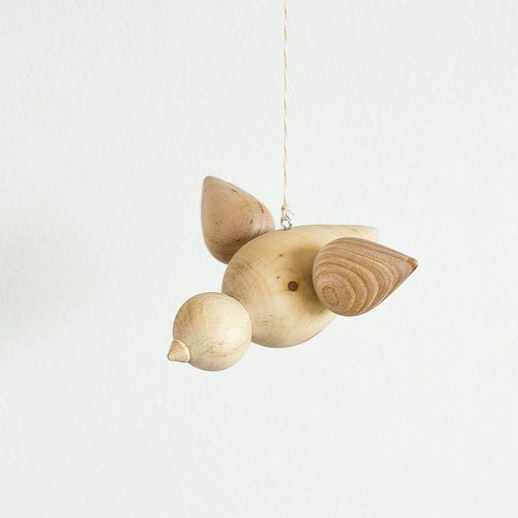 Latest project - inspired by the many great Danish bird designs from the 50s.  _______________________________ #woodenbird #handmade #norskdesign #tredreiing #håndverk #newnordic #wood #norwegianmade #kortreist #scandinaviandesign #woodwork #interior #interiør #norwegianmadeinterior #thatauthenticfeeling #feelfreefeed #stilllifegallery #prodnorwegianmaker #woodturning #bird #stilllife