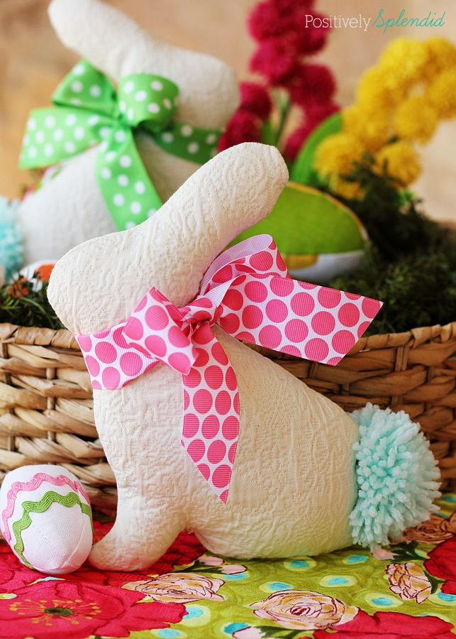 Adorable Easter bunny softie pattern and tutorial at Positively Splendid. So cute and easy to make!Softies Pattern, Splendid Crafts, Positive Splendid, Softie Pattern, Easter Bunnies, Bunnies Softies, Bunnies Pattern, Adorable Easter, Easter Bunny