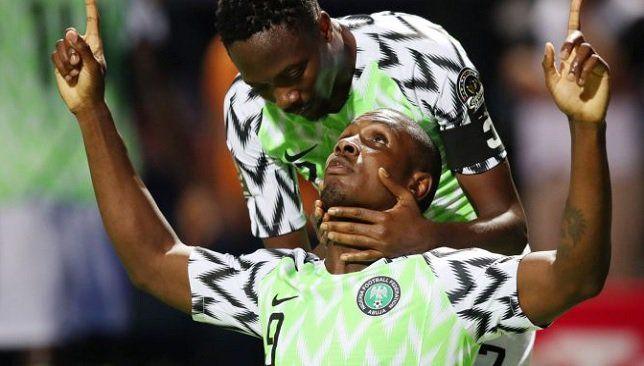 نيجيريا تتأهل إلى ثمن نهائي كأس الأمم الأفريقية بالفوز على غينيا Top Soccer Mikel Obi Nigeria