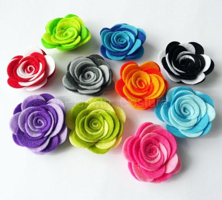 Una vez que aprendas a elaborar estas flores de fieltro no podrás parar de hacerlas. :-)