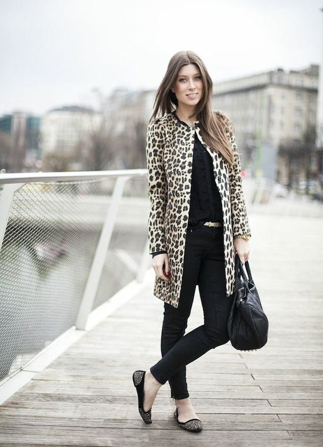 All black + leopard coat = outfit perfection!