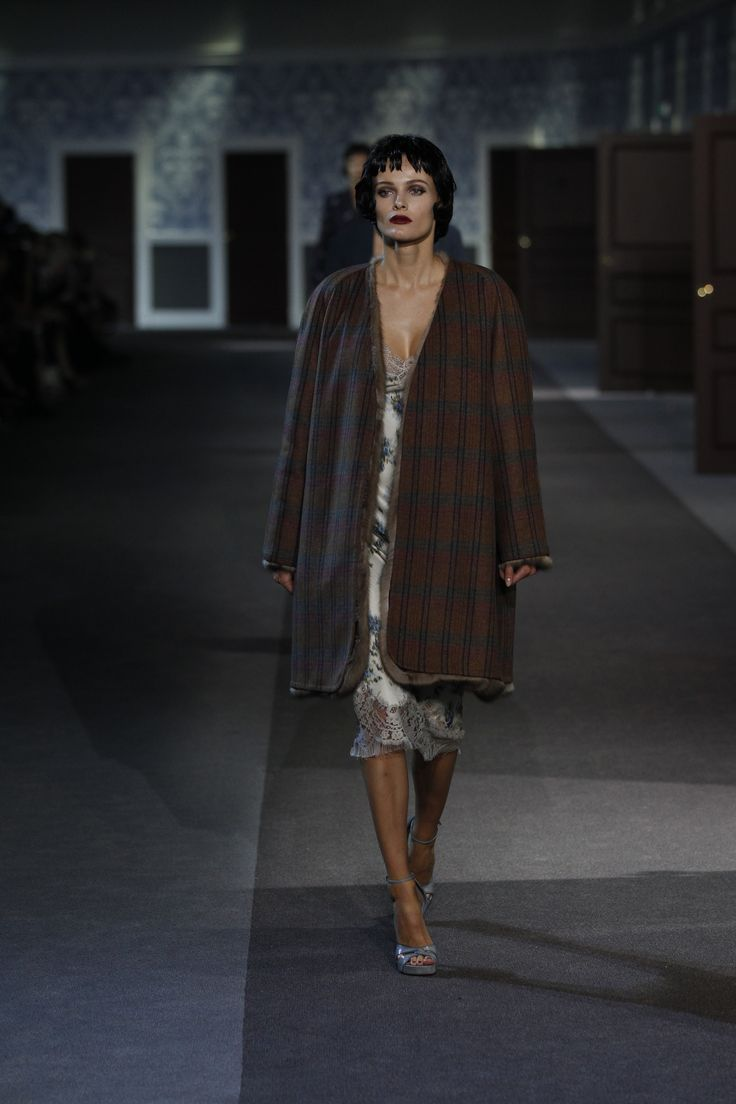 Fall Winter 2013 Fashion Trends For Women - A look from the louis vuitton fall winter 2013 2014 women s fashion show