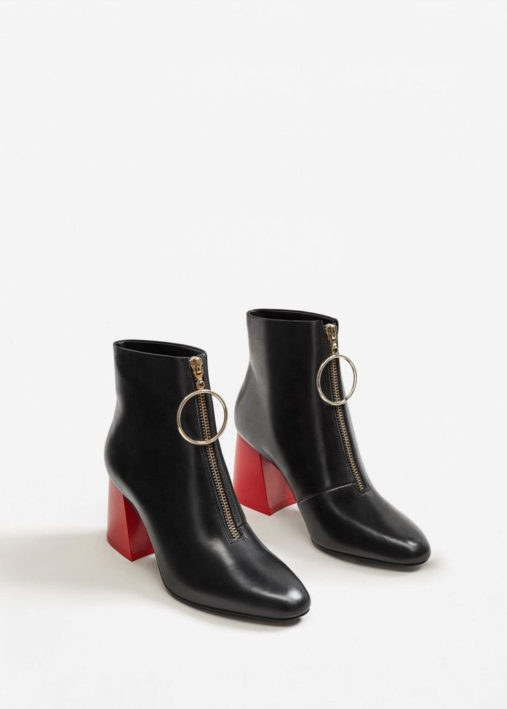 The One Pair Of Boots Everyone Needs Right Now Boots Fall Ankle Black Ankle Boots Boots Fall