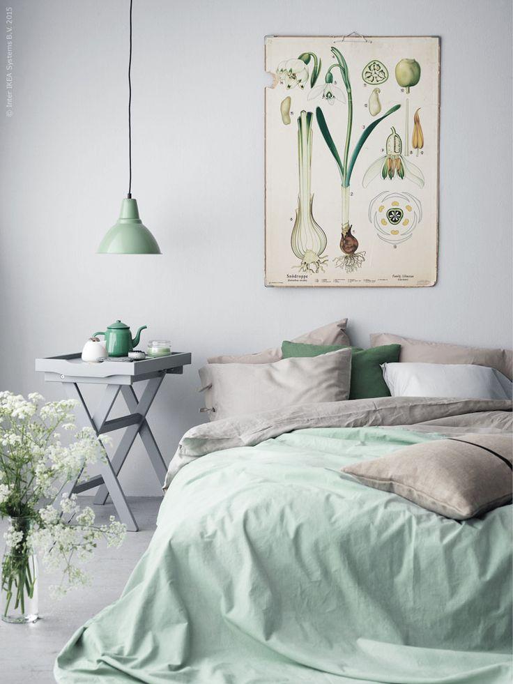 Botanisch is niet altijd druk. Kies grijs en krijtachtige tinten voor een rustige sfeer. Meer ideeën of hulp?  http://bureaubinnenshuis.nl/