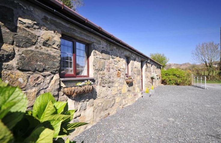 Pet friendly cottage Nefyn, North Wales - exterior